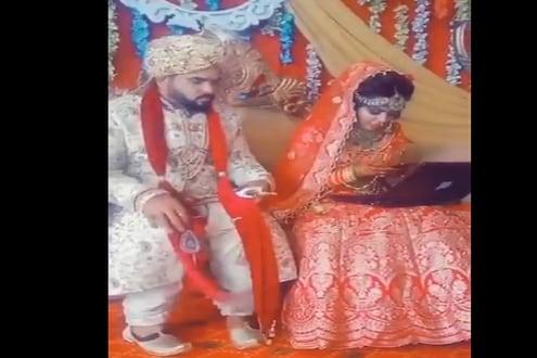 लग्नापेक्षा काम महत्त्वाचं! सप्तपदी सोडून मंडपातच लॅपटॉपवर काम करायला लागली वधू, VIDEO VIRAL