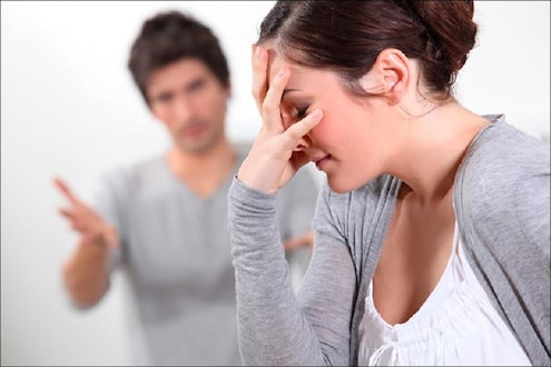 'मला भांडायचंय पण तो भांडतचं नाही'; वैतागून बायकोने मागितला घटस्फोट