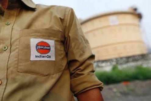 'Indian Oil'सुरू करणार 1लाख कोटींची कामं, कोरोना संकट काळात वाढणार बंपर नोकऱ्या