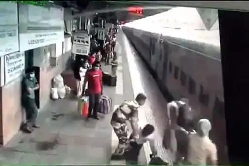 चालत्या गाडीतून पडला प्रवाशी, ट्रेनखाली जाणार तेवढ्यात जवानाने वाचवले प्राण; पाहा VIDEO