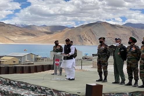 भारताकडे वाकड्या नजरेने बघितल्यास याद राखा, संरक्षणमंत्र्यांचा चीनला इशारा
