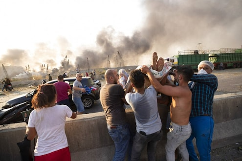 Beirut Blast: 'माझ्या पायाखाली मृतांचा खच होता...', स्फोटानंतर प्रत्यक्षदर्शीनं सांगितला काटा आणणारा अनुभव