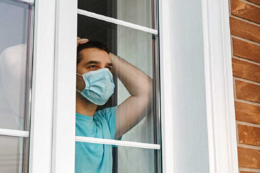 वैज्ञानिकांनी केलेल्या अभ्यासानुसार, ज्या घरांमध्ये व्हेंटिलेशनची (ventilation) संपूर्ण व्यवस्था नाही, अशा घरांमध्ये कोरोना संक्रमणाचा अधिक धोका आहे असे दिसून आले.