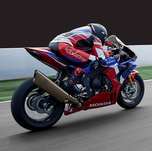 या दोन्ही बाइकच्या बुकिंगसाठी तुम्हाला बिगविंग डीलरशिप्सवर जाऊन या बाइकची बुकिंग करता येणार आहे. BigWing कंपनी ही प्रीमियम मोटरसायकलची डीलरशिप आहे.