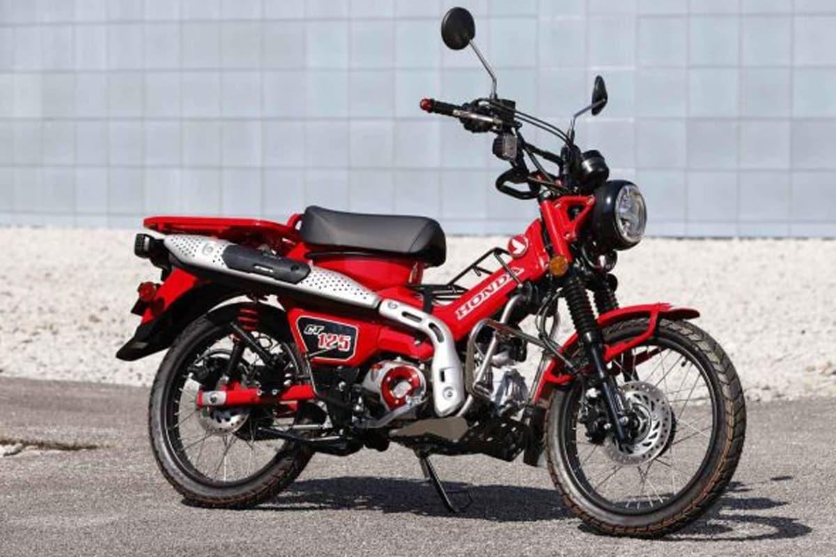 Honda moped ADV मध्ये 124.9cc, एअर-कुल्ड, SOHC इंजिन दिले आहे. जे 8.8 bhp पॉवर आणि 11 Nm इतका टॉर्क जेनरेट करतो. यात 4-स्पीड सेमी-ऑटोमॅटिक गियरबॉक्स दिला आहे.