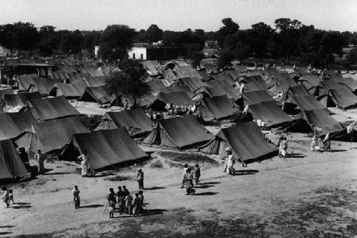 त्यावेळी त्रिपुरा भारताचा भाग नव्हतं. तिथं राजेशाही होती.13 अगस्त 1947 रोजी त्रिपुराची महाराणी कंचनप्रवा देवी यांनी त्रिपुरा भारतात समाविष्ट करण्याचा निर्णय घेतला आणि त्रिपुरा भारताचा भाग झाला. तर भोपाळचे नवाब हमीदुल्ला खान आणि हैदराबादचे निजाम यांनी आपल्या राज्याला भारतात समाविष्ट करण्यास विरोध केला होतो आणि स्वतंत्र राज्य ठेवण्याचा निर्णय घेतला होता.