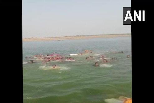 VIDEO : धक्कादायक! 50 प्रवाशांनी भरलेली बोट नदीत बुडाली, 10 जणांचा मृत्यू