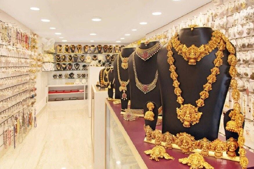 गोल्ड बाँडच्या या सीरिजच्याया इश्यूची तारीख 8 सप्टेंबर आहे. Sovereign Gold Bond ची विक्री बँक, स्टॉक होल्डिंग कॉर्पोरेशन ऑफ इंडिया लिमिटेड, निवडण्यात आलेले पोस्ट आणि एनएसई तसच बीएसईच्या माध्यमातून होते. यातील कोणत्याही ठिकाणी जाऊन तुम्ही बाँड योजनेमध्ये सामील होऊ शकता.