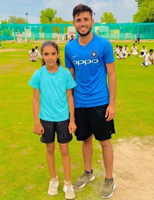 युवा गोलंदाज म्हणाला की, कुंबळे सरांनी सामन्याच्या परिस्थितीनुसार गोलंदाजी करण्यास सांगितले. बिश्नोईने कर्णधार केएल एल राहुलचे कौतुक केले आणि सांगितले की तो एक चांगला खेळाडू तसेच एक चांगला कर्णधार आहे.