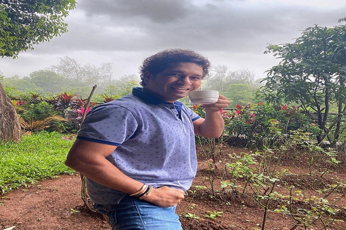 दिग्गज क्रिकेटपटू मास्टर ब्लास्टर सचिन तेंडुलकर (Sachin Tendulkar) तब्बल 560 आदिवासी मुलांना मदत करण्यासाठी पुढे आला आहे.