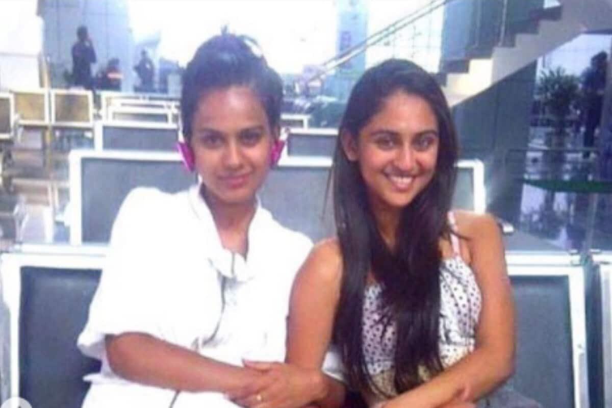 निया शर्माने क्रिस्टल डिसूजा बरोबर 10 वर्षांपूर्वीचा एक फोटो इन्स्टाग्राम शेअर करतही आपल्या 10 वर्षांपूर्वीपासूनच्या मैत्रीला उजाळा दिला आहे. (फोटो सौजन्य - इन्स्टाग्राम)