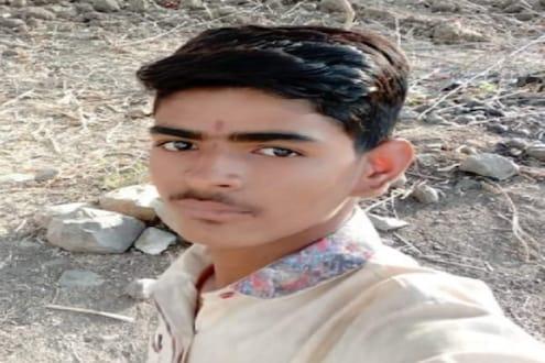 बीडमध्ये 17 वर्षीय मुलाचा भीषण अपघातात जागीच मृत्यू, आईने फोडला टाहो