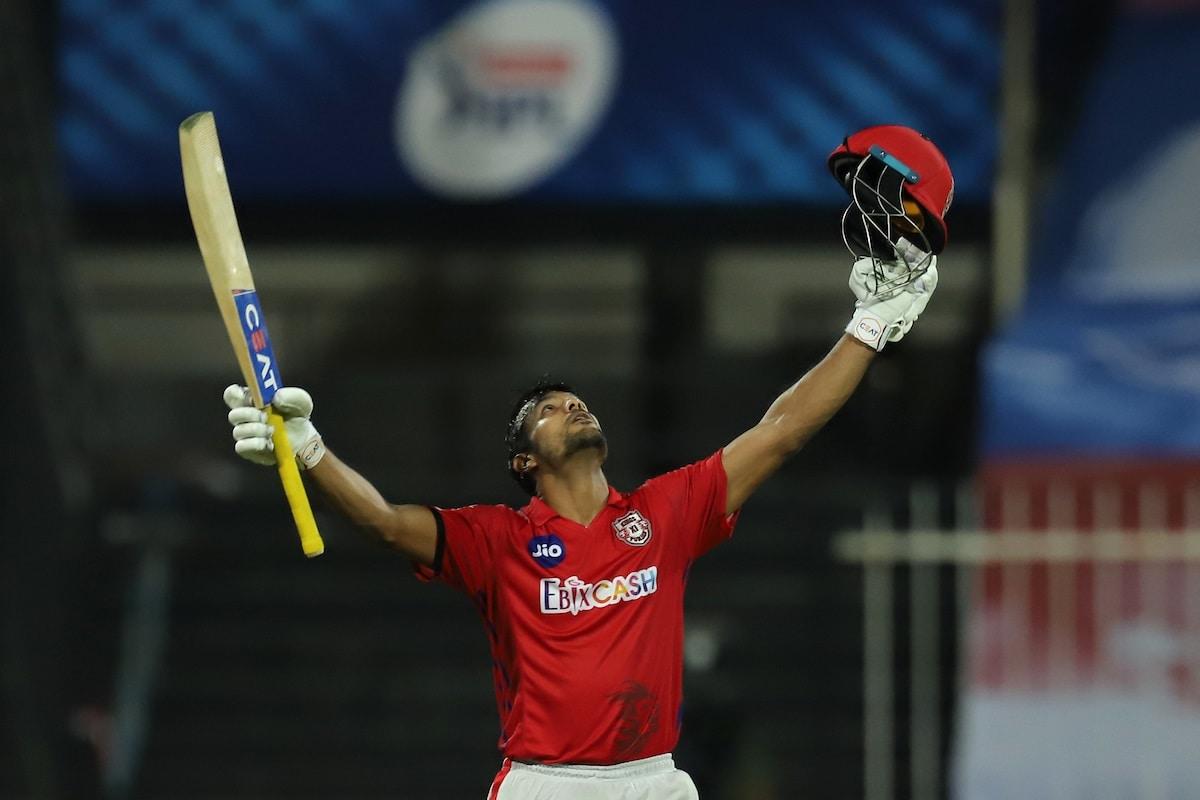 या सामन्यात एकूण 29 षटकार लगावण्यात आले. यातील पंजाबने 11 षटकार लगावले. यात मयंकने 7 षटकार लगावले.