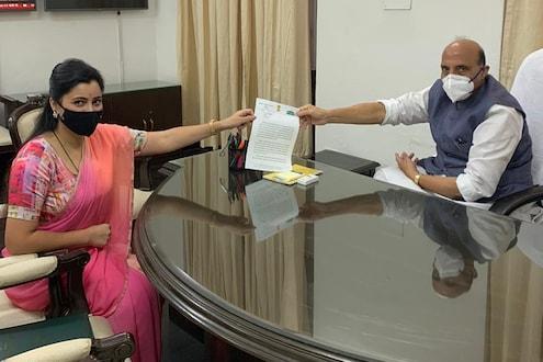 मदन शर्मा मारहाण प्रकरणी नवनीत राणा पोहोचल्या थेट संरक्षण मंत्र्यांकडे, उद्धव ठाकरेंवर केला गंभीर आरोप