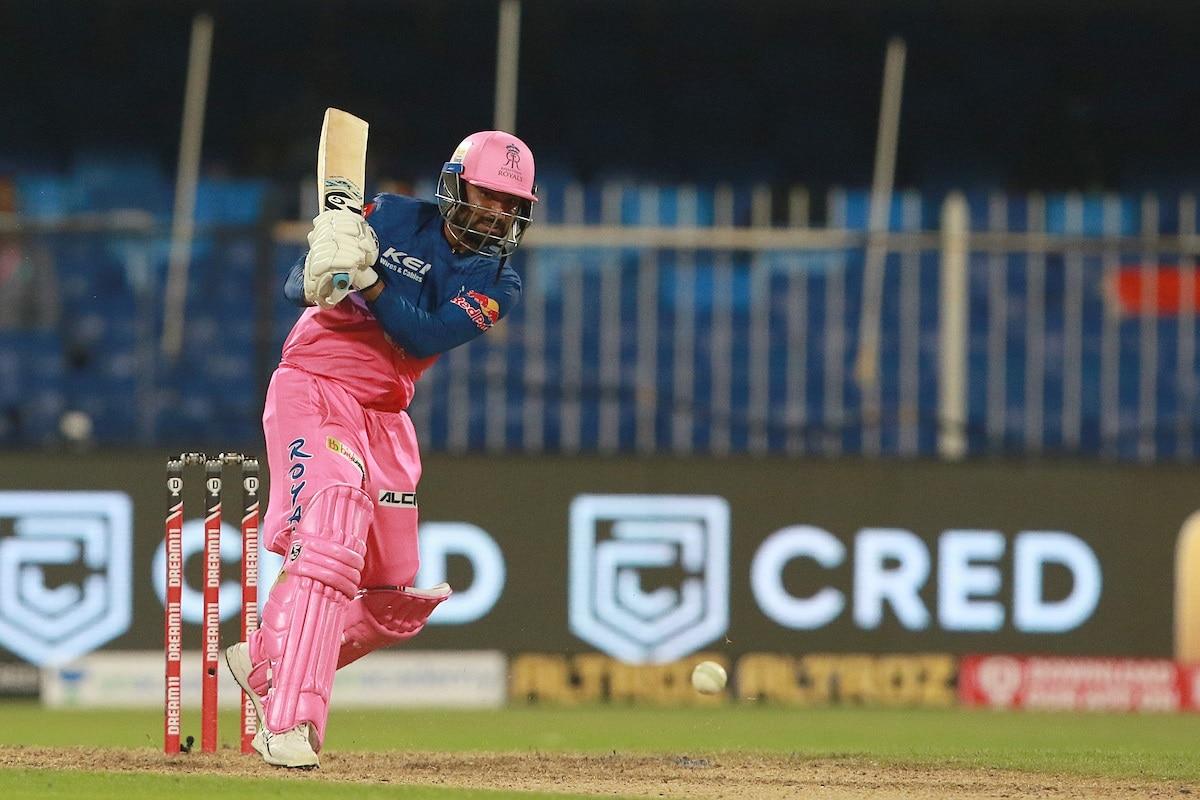 सॅमसन बाद झाल्यानंतर राजस्थान सामना गमावेल, असे वाटत होते. मात्र 18व्या ओव्हरमध्ये तेवातियानं 5 षटकार लगावले. शेल्डन कॉटरेलच्या एकाच ओव्हरमध्ये पाच षटकार लगावत राजस्थानचा विजय पक्का झाला.