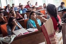 विद्यापीठातल्या 100 टक्के शिक्षकांना उपस्थित राहण्याचे आदेश, परीक्षांमुळे निर्णय