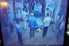 मास्क नाही घातले म्हणून दिले नाही पेट्रोल, गुंडांचा  पंपावर राडा, पाहा हा VIDEO