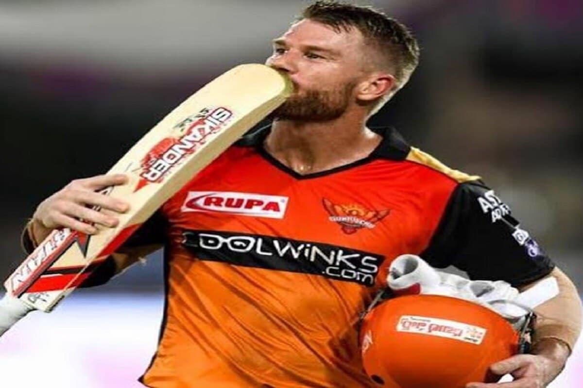 पाचव्या क्रमांकावर हैदराबादचाच खेळाडू डेव्हिड वॉर्नर आहे. वॉर्नरने आतापर्यंत 227 रन केले आहे, यामध्ये दोन अर्धशतकांचा समावेश आहे.  (फोटो- bcci)