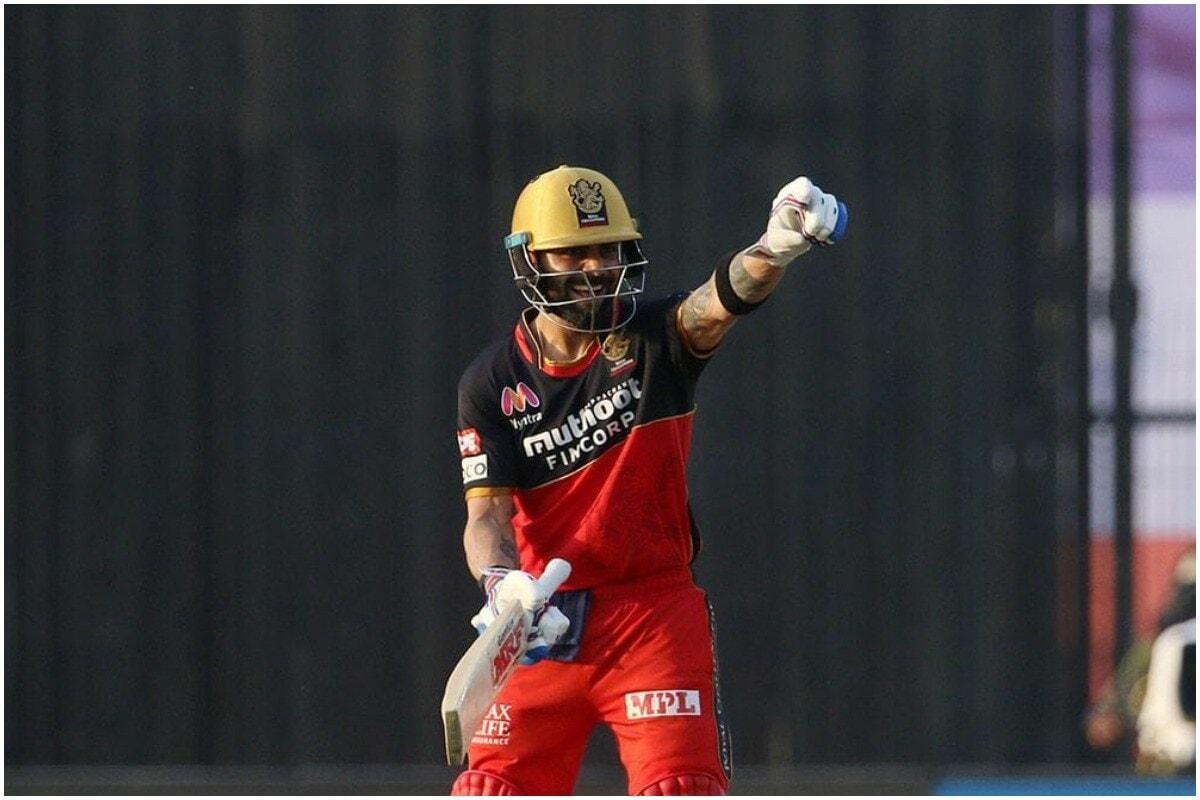 बँगलोर (RCB)चा कर्णधार विराट कोहली (Virat Kohli)ने रविवारी आयपीएल (IPL 2020)मध्ये आणखी एक नवा विक्रम स्वत:च्या नावावर केला. आयपीएलमध्ये 200 सिक्स मारणारा विराट हा धोनी आणि रोहित शर्मानंतरचा तिसरा भारतीय खेळाडू बनला आहे.