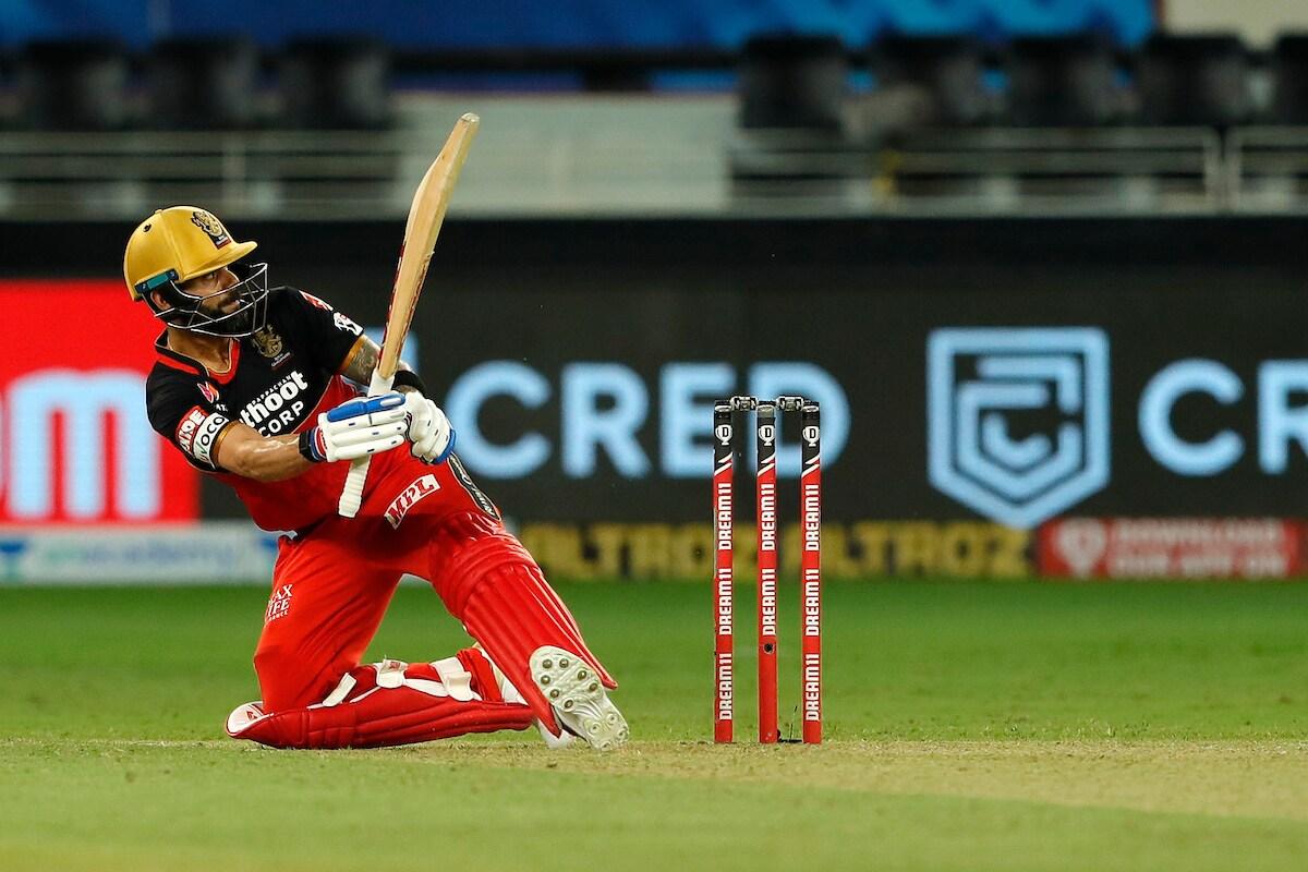 कोहली आयपीएलमध्ये 200 सिक्स मारणारा तिसरा भारतीय आणि पाचवा खेळाडू बनला आहे. विराटच्या आधी क्रिस गेल (336 सिक्स), एबी डिव्हिलियर्स (231सिक्स),  एमएस धोनी (216 सिक्स) आणि रोहित शर्मा (209 सिक्स) यांनी 200 सिक्सचा पल्ला गाठला आहे.