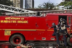 56 तासांपासून धुमसतोय मुंबईतला सिटी मॉल, अग्निशमन दलाचे 6 जवान जखमी