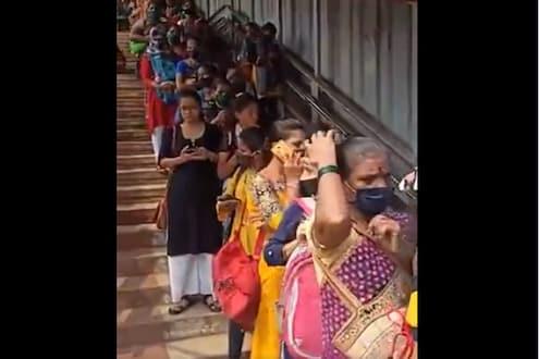 VIDEO: नजर जाईल तिथपर्यंत रांगच रांग; पहिल्या दिवशीच्या कौतुकानंतर महिलांसाठी लोकलची स्थिती