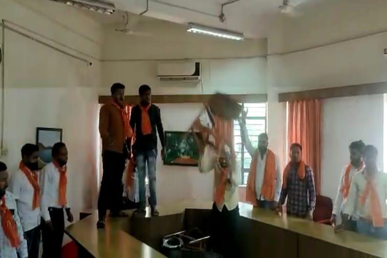 अमरावती: Online परीक्षेचा गोंधळ, युवासेनेने केली कुलगुरू ऑफिसची तोडफोड VIDEO