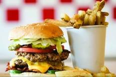 ऑनलाइन बर्गर पडला महागात! 178 रुपयांची ऑर्डर अन् खात्यातून गेले 21,865 रुपये