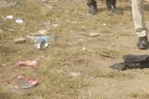 रिकाम्या दारूच्या बाटल्या आणि रक्ताने माखलेले दगड, दौंडमध्ये धक्कादायक घटना