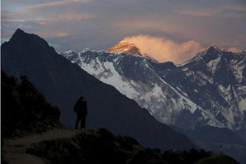निसर्गाचा प्रकोप होण्याची चिन्हं! हिमालयातला बर्फ वितळतोय; समोर आलं नवं कारण
