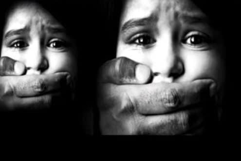 शिवणकामाच्या नावे निघाले होते मुलींना विकायला, पोलिसांनी केली 12 युवतींची सुटका