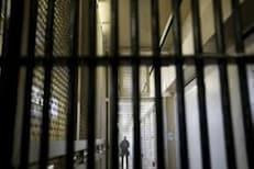 धक्कादायक! दोन टी शर्ट चोरले म्हणून तब्बल 20 वर्षांचा तुरुंगवास