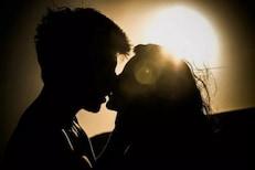 पहिलं किस केल्यानंतर तो माझ्या मेसेजलाही रिप्लाय देत नाही, मी त्याला आवडत नाही?