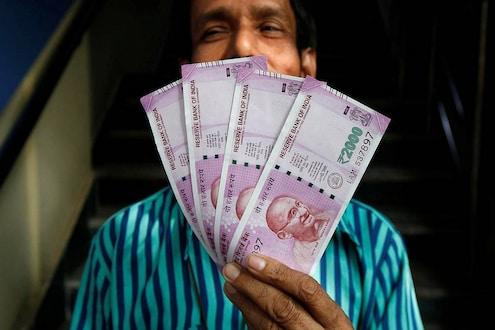 एका रात्रीत बदललं नशीब; अवघ्या 100 रुपयांमुळे ठेकेदार आणि मजूर झाले कोट्यधीश