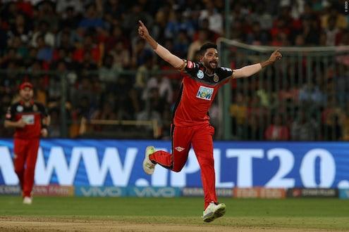 IPL 2020 : सिराजने इतिहास घडवला, हा विक्रम करणारा पहिलाच खेळाडू