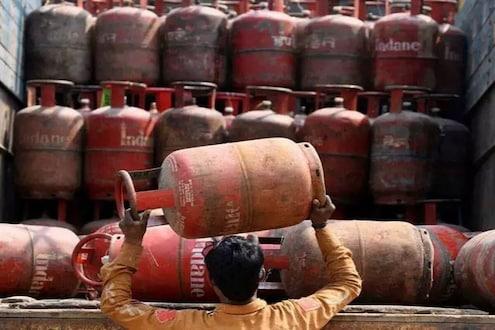 LPG Gas Cylinder Price: सामान्यांचं बजेट कोलमडलं! पुन्हा महागला घरगुती गॅस सिलेंडर
