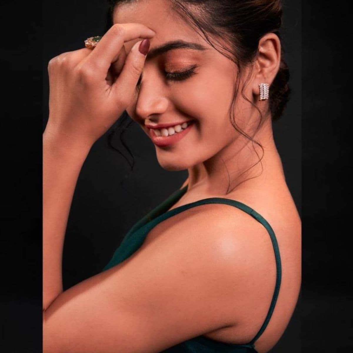 रश्मिका दक्षिण भारतातील लोकप्रिय अभिनेत्रींपैकी एक आहे. (photo credit: instagram/@rashmika_mandanna)