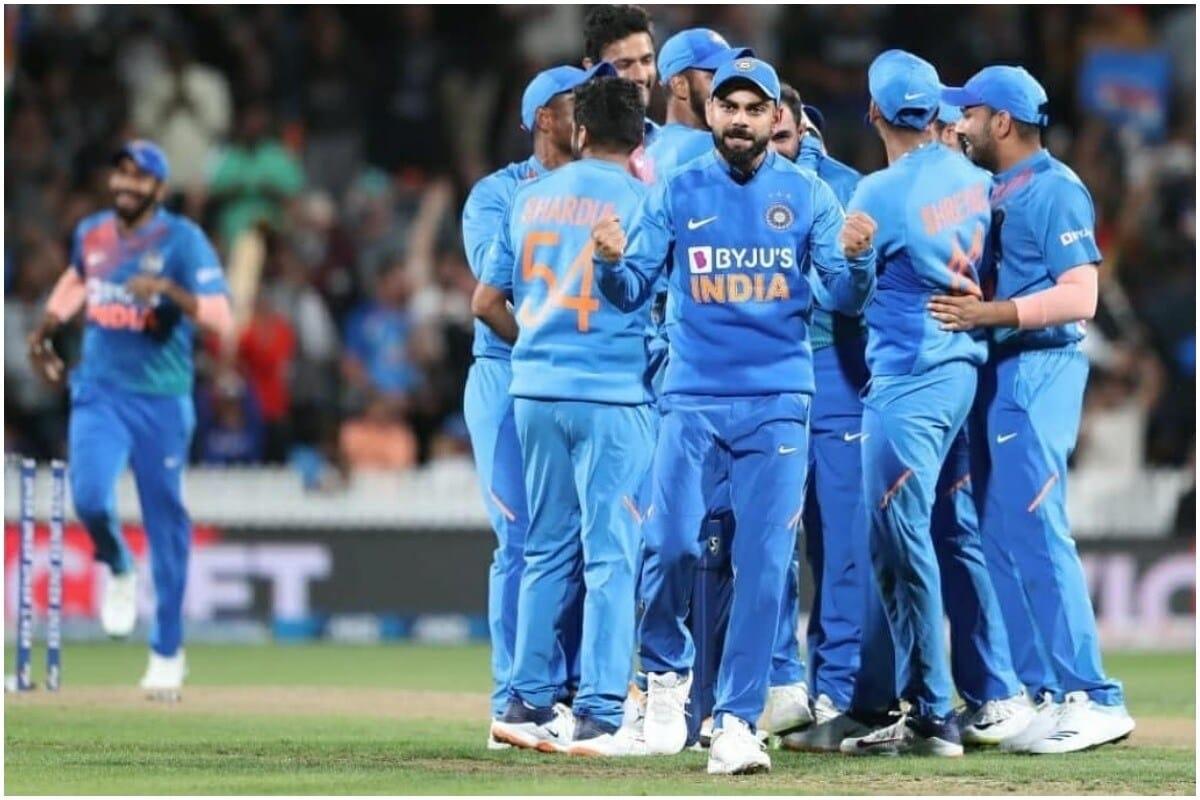 एकदिवसीय क्रिकेटमध्ये विराटनं अखेरचे शतक ऑगस्ट 2019मध्ये लगावले होते वेस्ट इंडिजविरुद्ध. ऑस्ट्रेलियाविरुद्ध 2019 मधील दौऱ्यात विराटनं 19.78 आणि 89 धावांची खेळी केली होती.