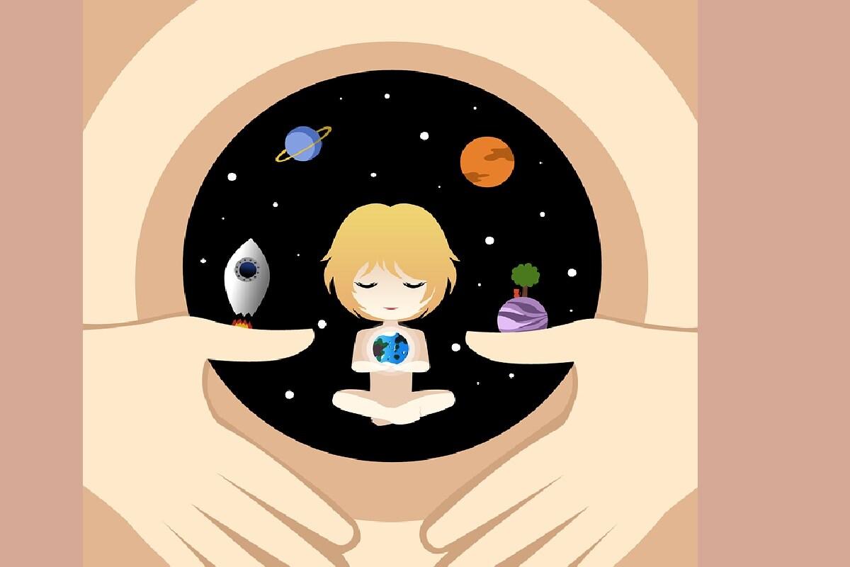डिझाइनर बेबी किंवा बाळांमध्ये असे बदल सध्या अनेक देशांमध्ये कायदेशीररित्या वैध नाहीत. गर्भाशयात असलेलं बाळ मुलगा आहे की मुलगी आहे  हे जन्मापूर्वीच तपासणं याबाबत चर्चा सुरू आहेत. पण इथं तर येथे बाळातील इतर सर्व गुणधर्म Zygoteच्या पातळीवर निश्चित करण्याचा प्रयत्न सुरू आहे. तसंच जेनेटिक पातळीवर म्हणजेच जेनेटिक म्युटेशन करण्यालाही तीव्र विरोध होत आहे.