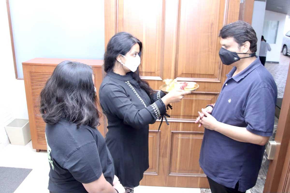माजी मुख्यमंत्री देवेंद्र फडणवीस (Devendra fadnavis) यांनी कोरोनावर मात केली आहे.