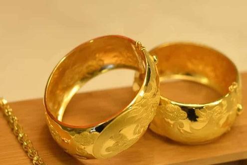 आनंदाची बातमी! धनत्रयोदशीआधी स्वस्त झाले सोने, 50 हजारांपेक्षाही कमी होणार दर