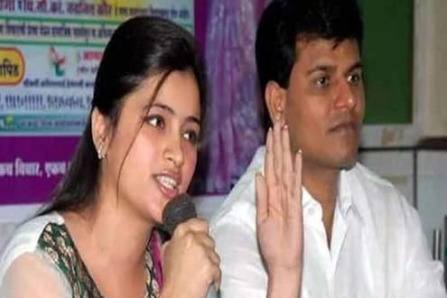मुंबईत 'मातोश्री'वर आंदोलनासाठी निघालेल्या राणा दाम्पत्याला पोलिसांनी घेतलं ताब्यात