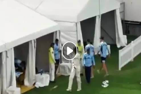 LIVE सामन्यातच भिडले ऑस्ट्रेलियाचे दोन खेळाडू, स्टार्कनं कर्णधाराच्या दिशेनं फेकली बॅट; पाहा VIDEO