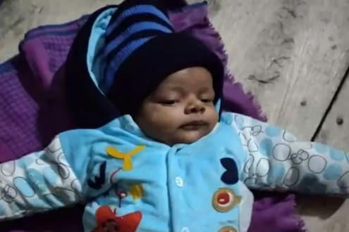 बॅगेत सापडलं 5 महिन्यांचं बाळ; बापाने सोडली भावुक चिठ्ठी, वाचून तुमचंही ह्रदय पिळवटून निघेल