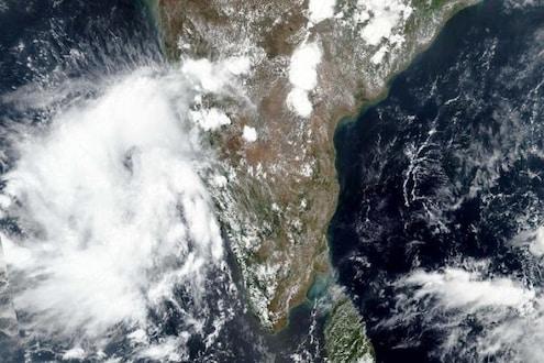 Cyclone Nivar: कोरोनासोबतच घोंगावतय मोठ्या चक्रीवादळाचं संकट