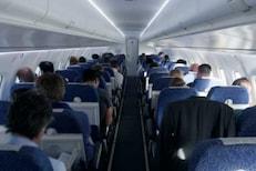 Flight मध्ये SEX ची ऑफर देत होती Air Hostess; अंतर्वस्त्राची विक्री आणि...