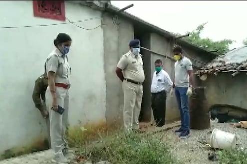 खळबळजनक! घराला होतं कित्येक दिवस कुलूप, पोलिसांनी टाळं उघडलं तर एका रांगेत सापडले 6 मृतदेह