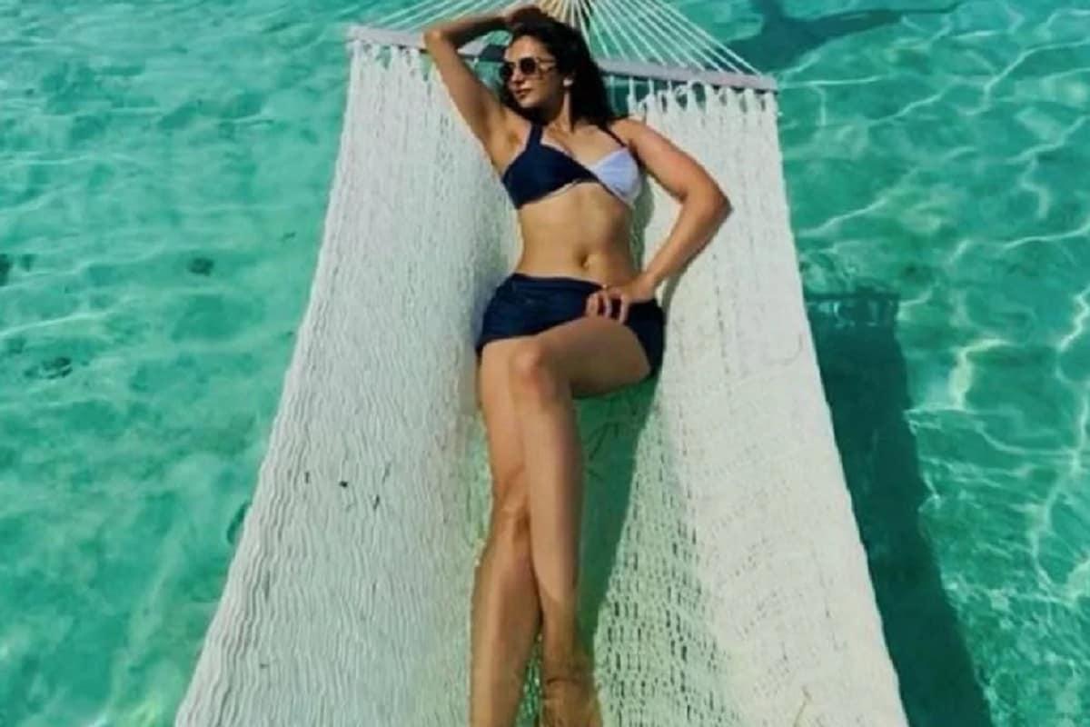 अभिनेत्री रकुल प्रीत सिंहने मालदीव सुट्टी एन्जॉय करताना काही स्टनिंग फोटो इन्स्टाग्रामवर पोस्ट केले आहेत. निळ्याशार पाण्यातील रकुलचा हा फोटो फारच स्टनिंग आहे. (फोटो सौजन्य- इन्स्टाग्राम)
