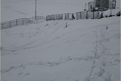 काश्मीरमध्ये हंगामातली पहिली बर्फवृष्टी; मुंबईकर लुटतायत आनंद ! पाहा Exclusive Video