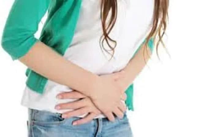 पारदर्शी, पांढरा आणि पातळसर -2 मासिक पाळीच्या मध्ये ovulation होतं, तेव्हा असा डिस्जार्च येतो. मात्र अनेक महिला असा डिस्चार्ज झाल्यास घाबरतात. मात्र तज्ज्ञांच्या मते, हा डिस्चार्ज सामान्य आहे.